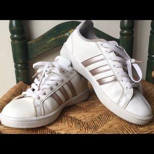 Adidas Advantage Women's Sneaker